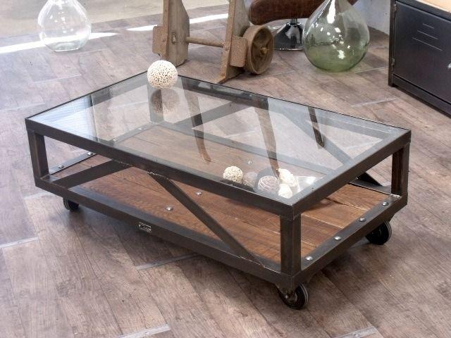 Table basse en verre trempé et métal noir