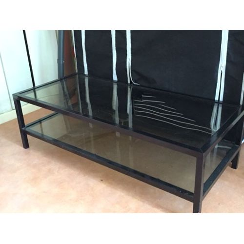 cr er une table basse en verre mobilier design d coration d 39 int rieur. Black Bedroom Furniture Sets. Home Design Ideas