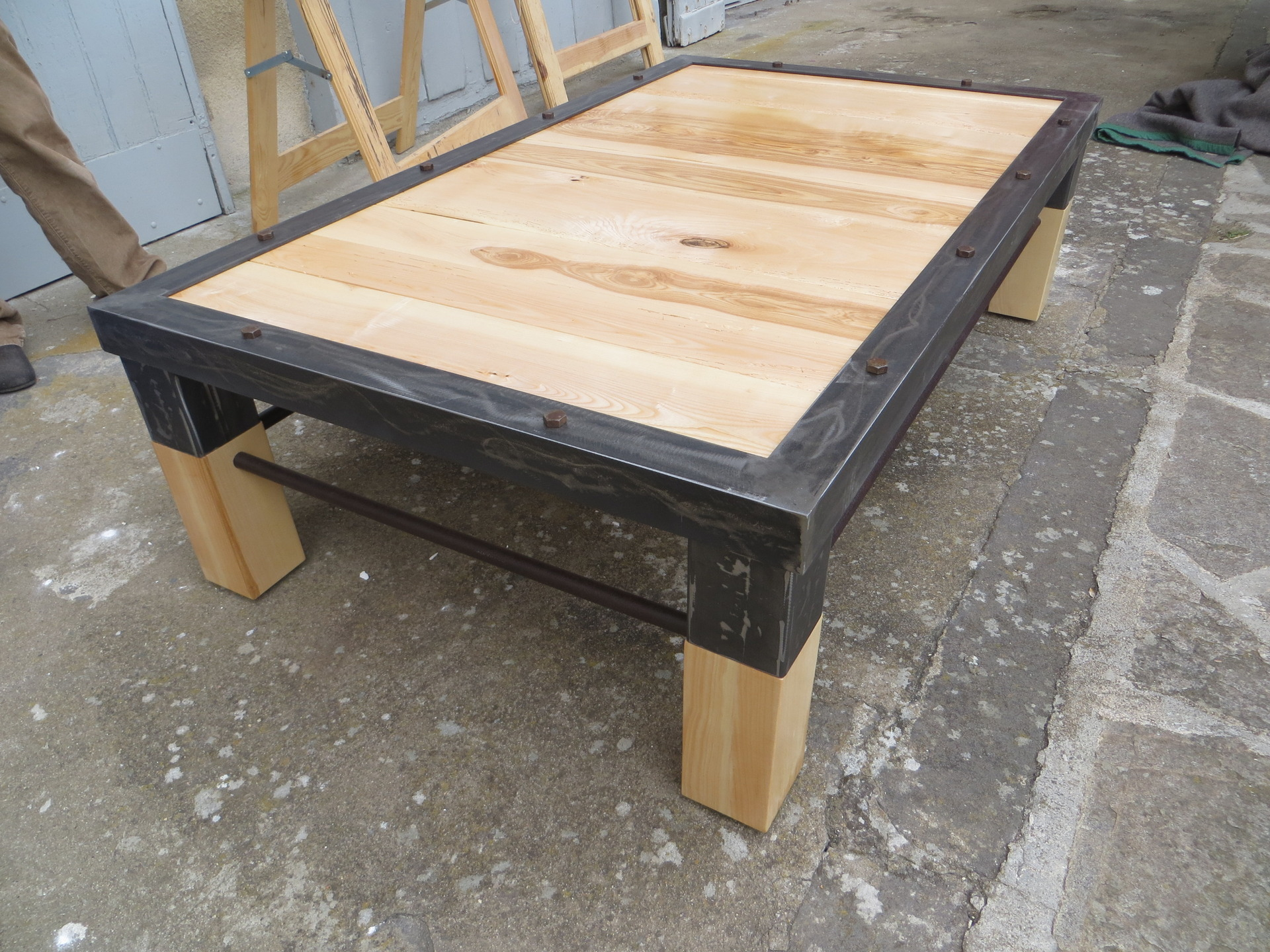 awesome table de jardin en bois a vendre ideas awesome interior home satellite. Black Bedroom Furniture Sets. Home Design Ideas
