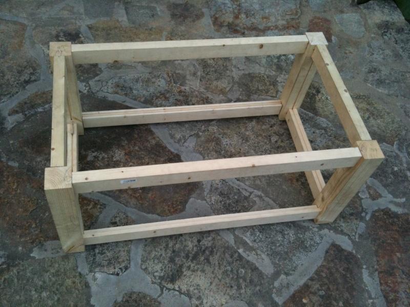 fabriquer soi meme table basse aquarium mobilier design d coration d 39 int rieur. Black Bedroom Furniture Sets. Home Design Ideas