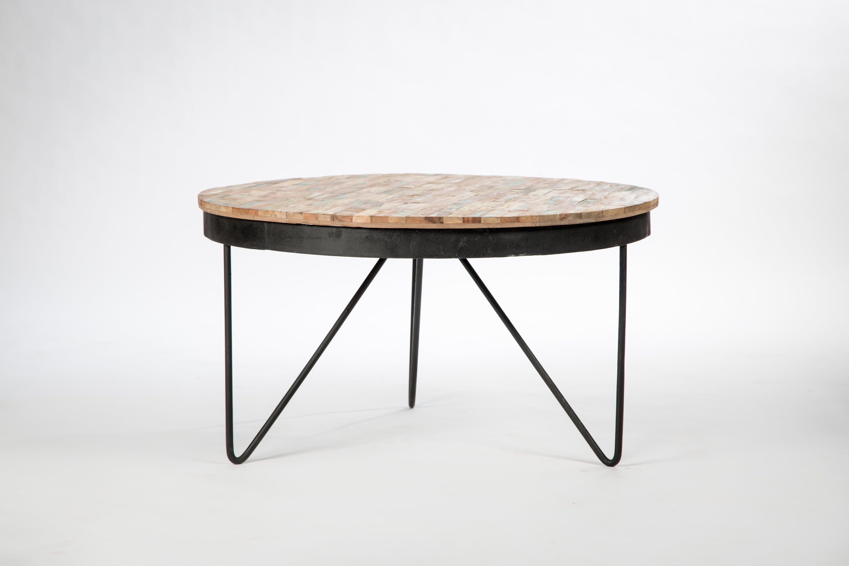Table basse ronde ou ovale mobilier design d coration d for Table basse salon ronde ou ovale