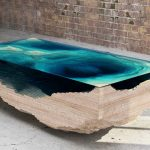 Table basse en verre de couleur