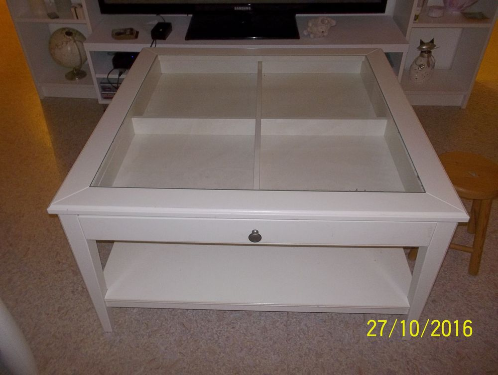 table basse ikea blanche mobilier design d coration d 39 int rieur. Black Bedroom Furniture Sets. Home Design Ideas