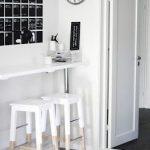 Tabouret de bar blanc en bois