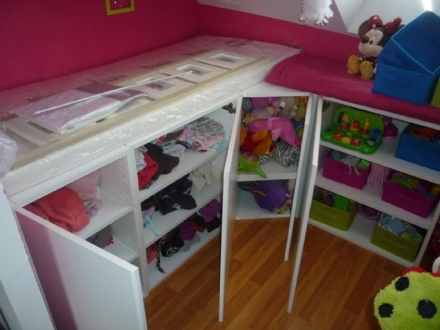 Chambre avec meuble de cuisine