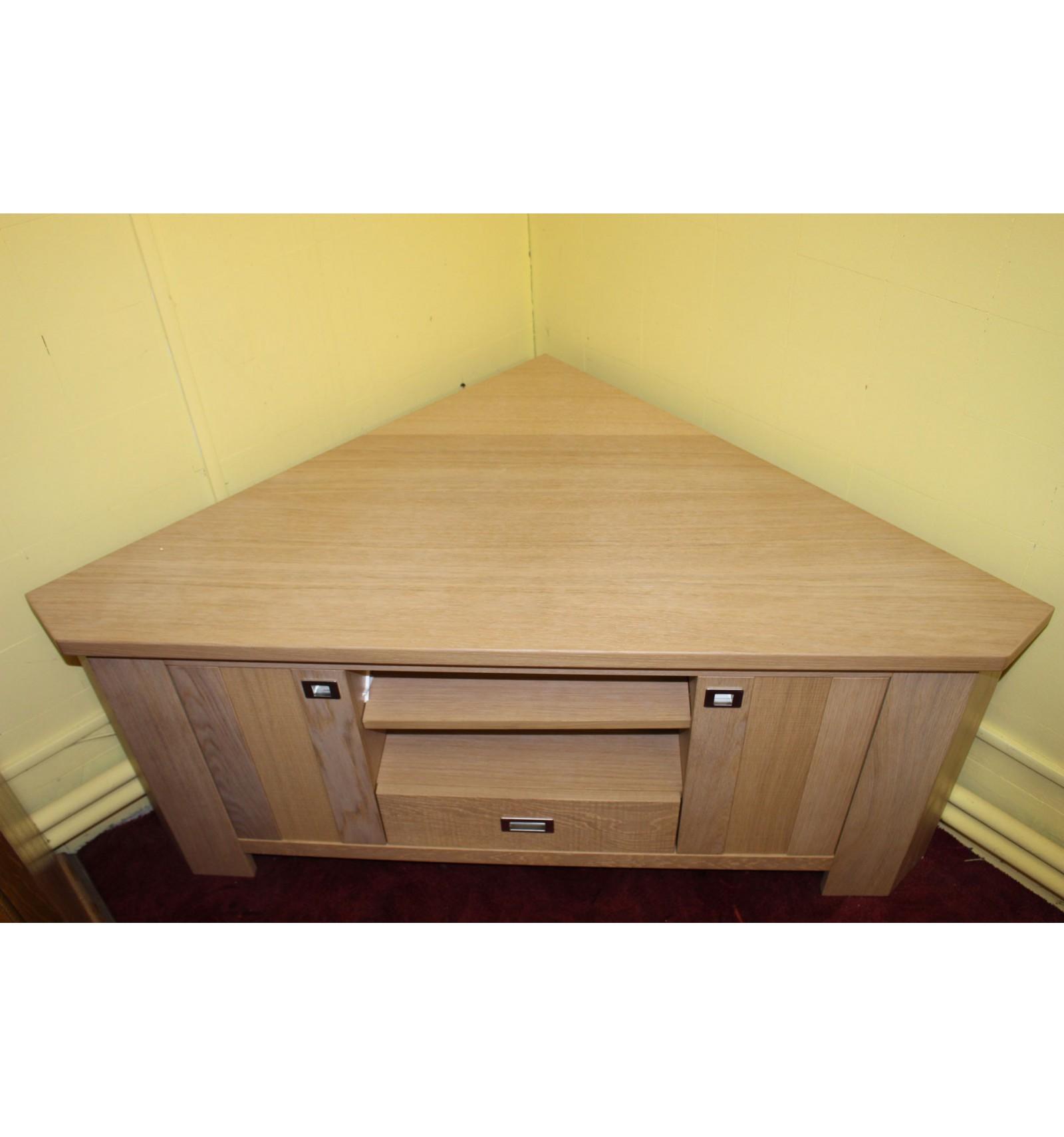 Fabriquer un meuble tv d 39 angle mobilier design for Fabriquer meuble