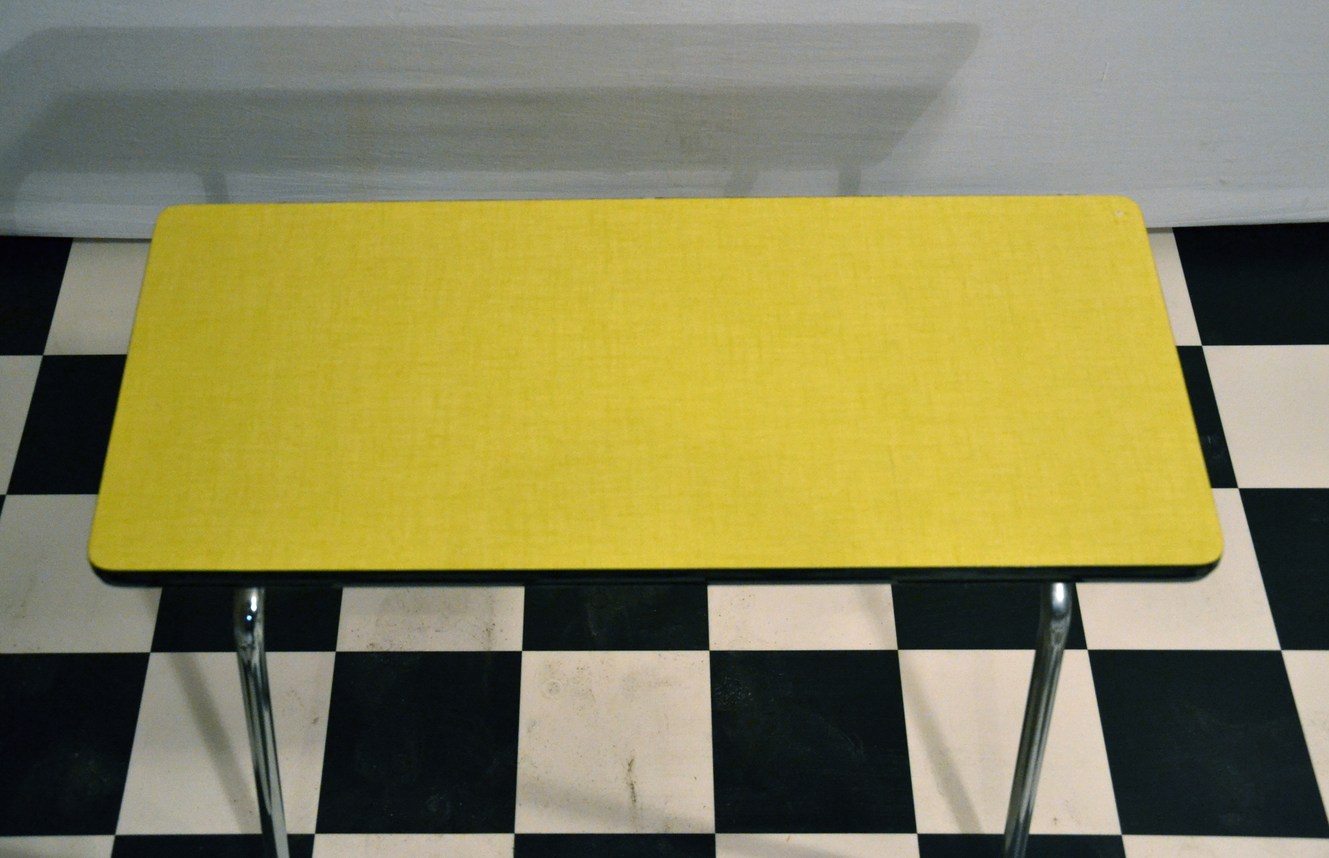 table basse formica mobilier design d coration d 39 int rieur. Black Bedroom Furniture Sets. Home Design Ideas