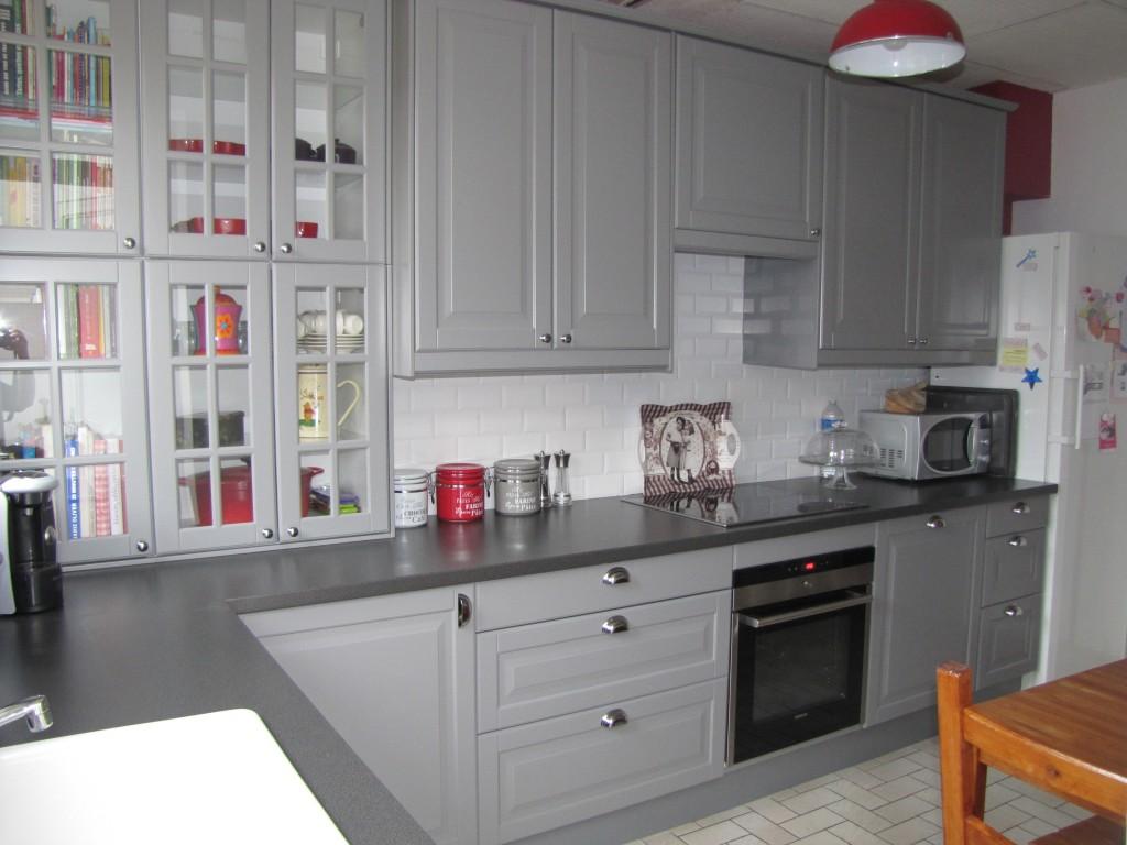 Petit meuble de cuisine gris