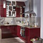 Meuble de cuisine rouge laqué