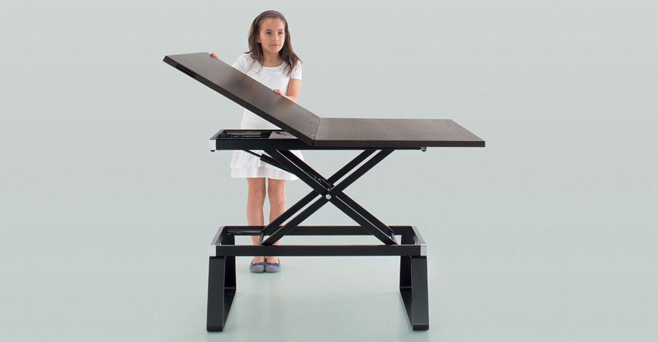 table basse qui devient haute mobilier design d coration d 39 int rieur. Black Bedroom Furniture Sets. Home Design Ideas