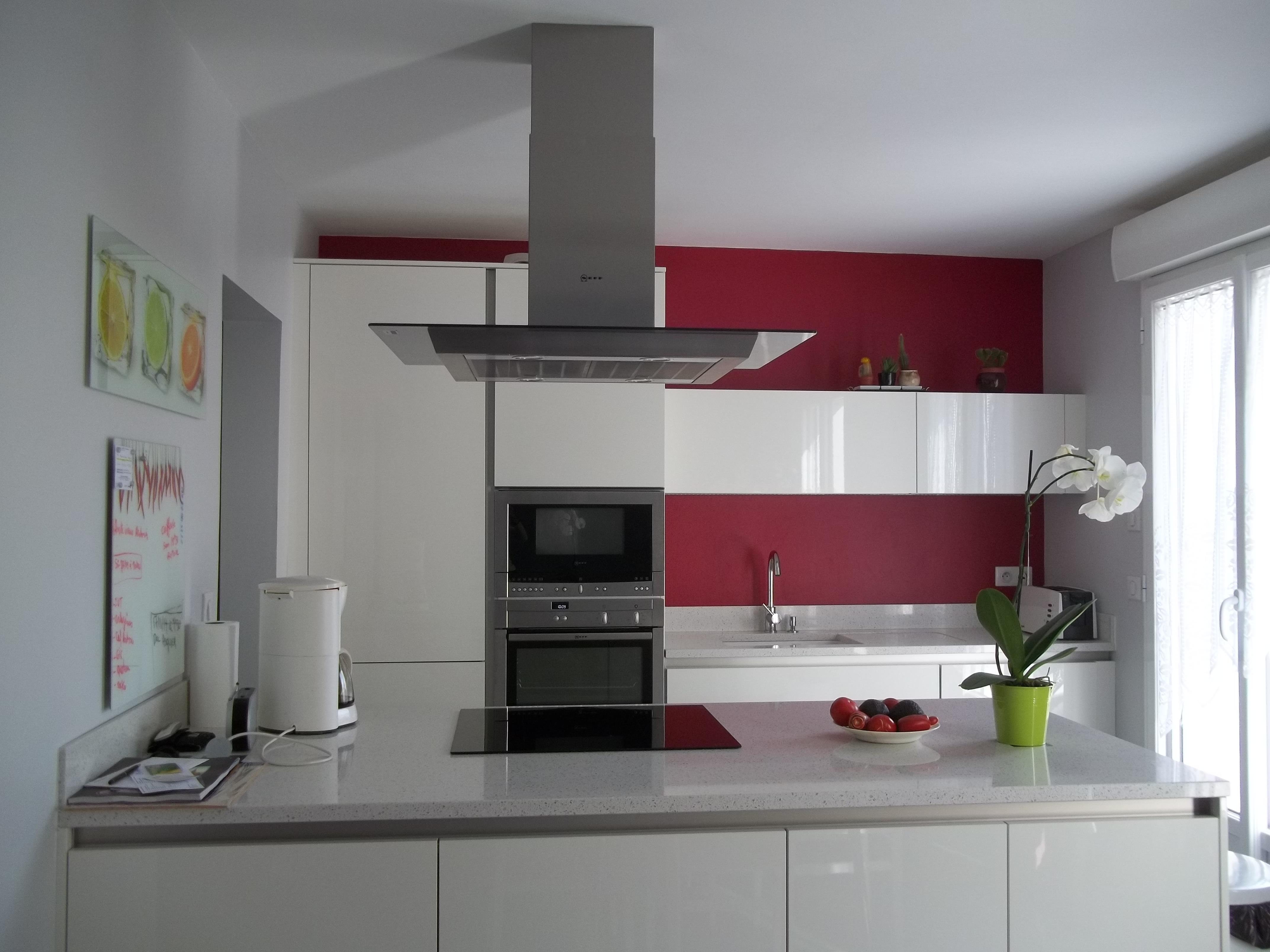 Meuble de cuisine blanc quelle couleur pour les murs mobilier design d coration d 39 int rieur for Quel couleur pour une cuisine