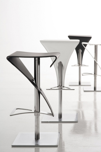 Tabouret de cuisine contemporain mobilier design d coration d 39 int rieur for Tabouret bar contemporain