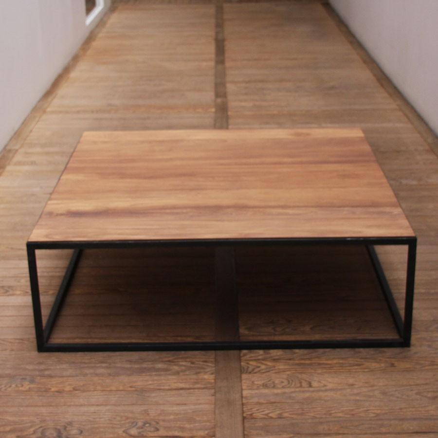 table basse industrielle carr e mobilier design d coration d 39 int rieur. Black Bedroom Furniture Sets. Home Design Ideas