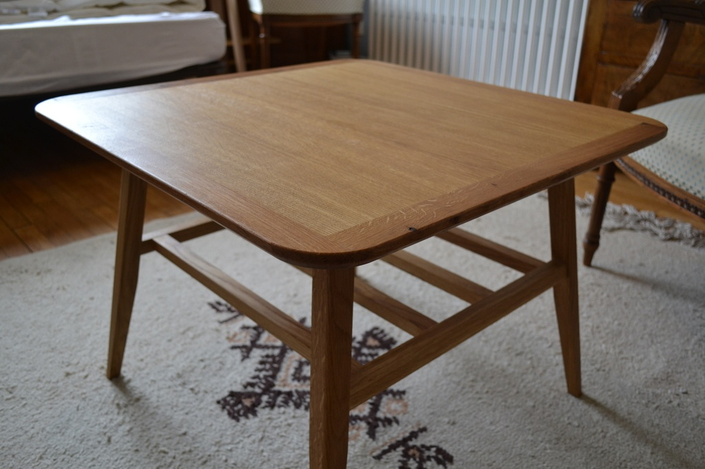Table basse scandinave reglable