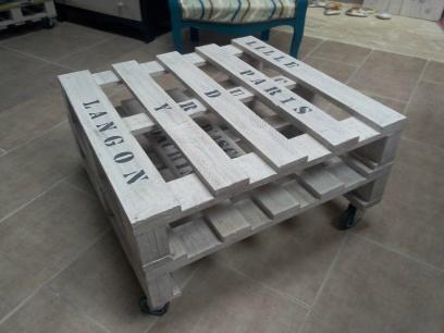 Pochoir table basse palette