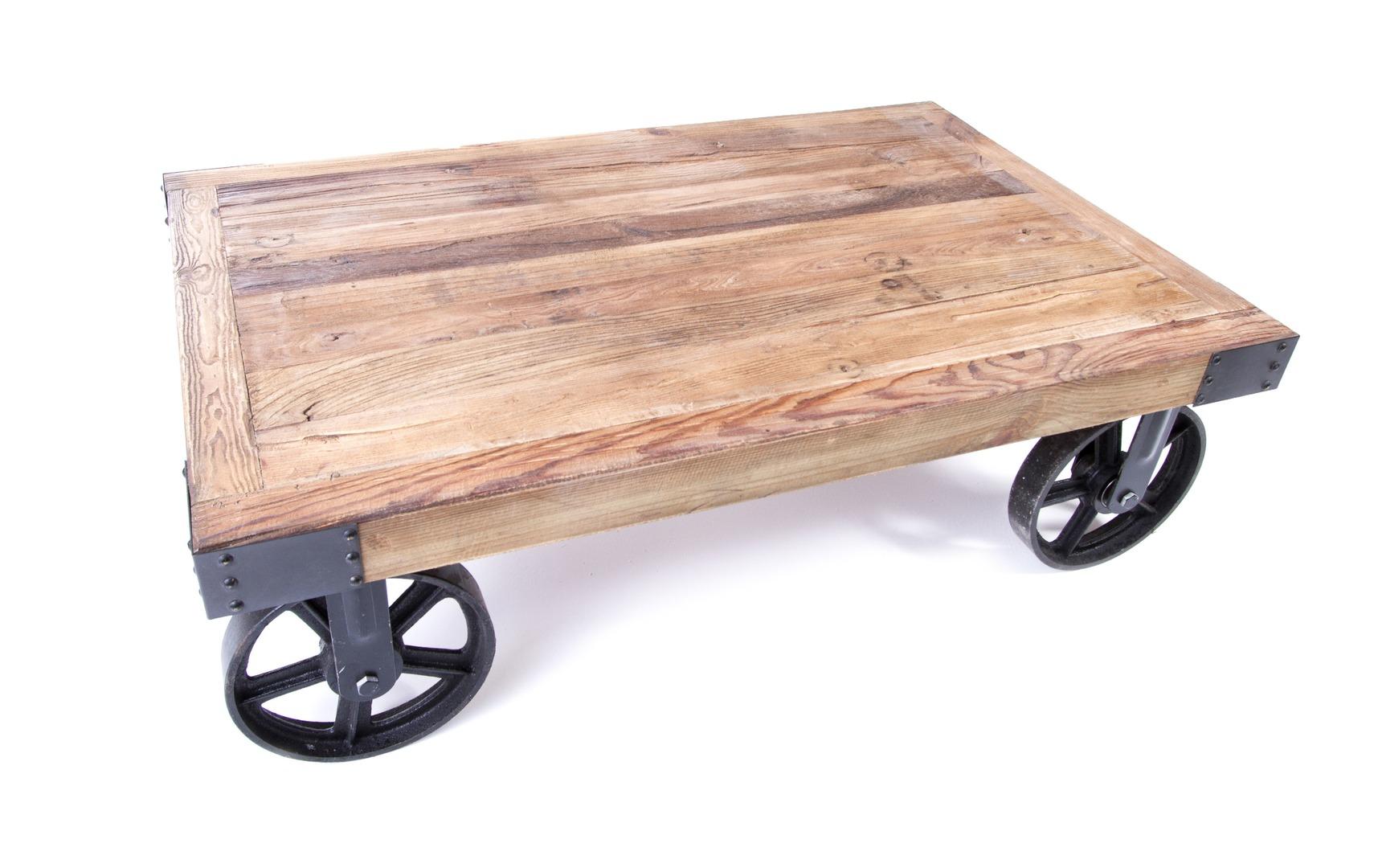 Table basse industrielle avec roue