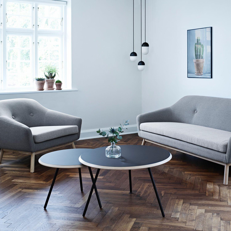Table basse en metal scandinave