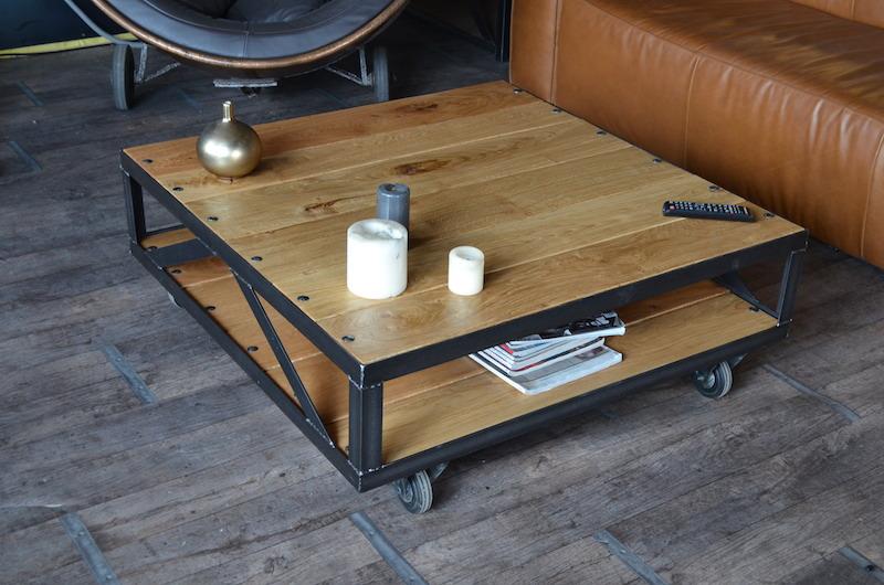 Table basse carrée a roulette