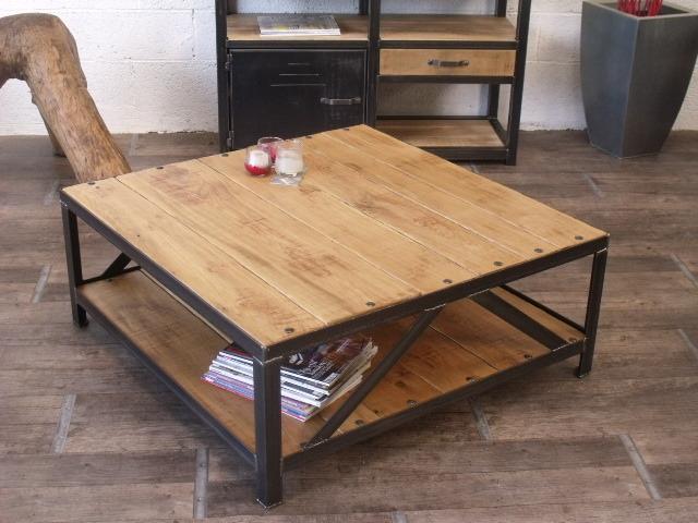 Table basse bois massif carree