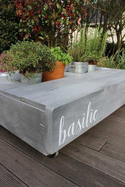 Table basse palette jardiniere