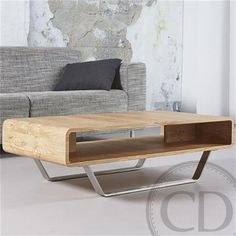 Table basse scandinave avec niche