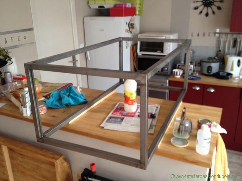 Fabriquer une table basse en fer et bois