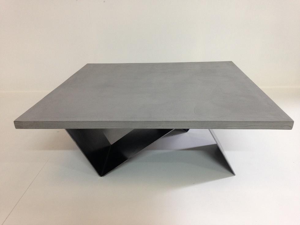 Table basse aquarium beton cire