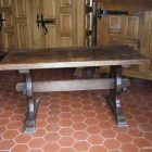 Table basse blanche pieds bois