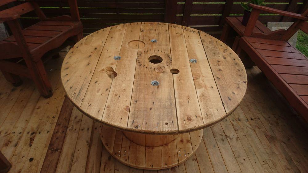 Table basse de jardin ronde en bois