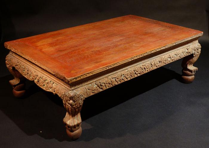 Table basse bois sculpte