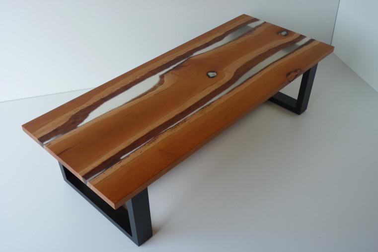 Table basse bois et resine