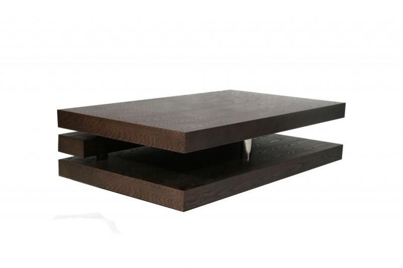 Table basse en bois foncé