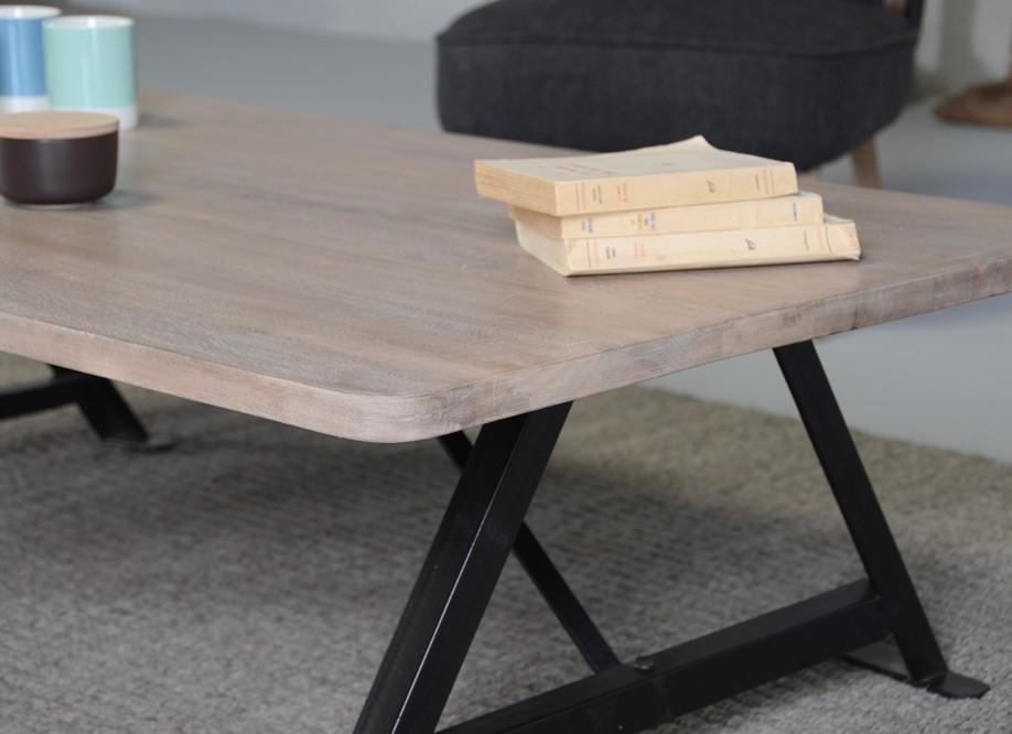 Table basse bois pieds noir