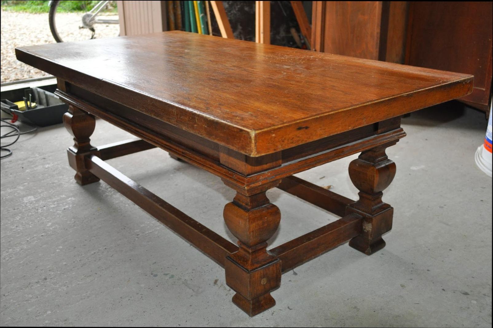 Repeindre une table basse en bois vernis