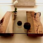 Table basse de salon en bois et verre