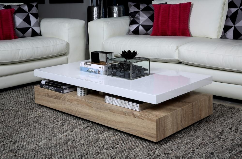 Table basse en bois blanchi