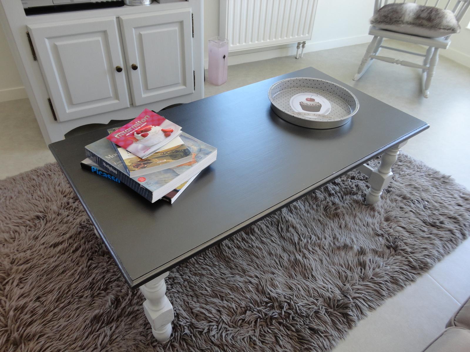 Table basse en bois brut à peindre