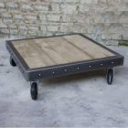Table basse roulettes palette