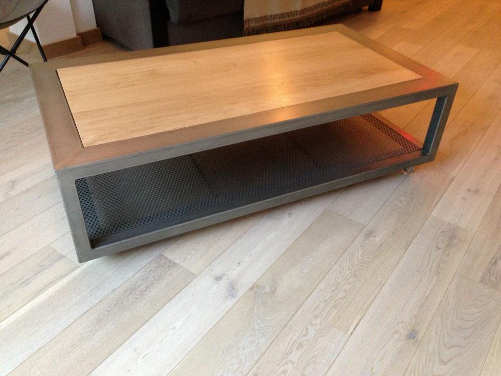 Table basse palette et acier