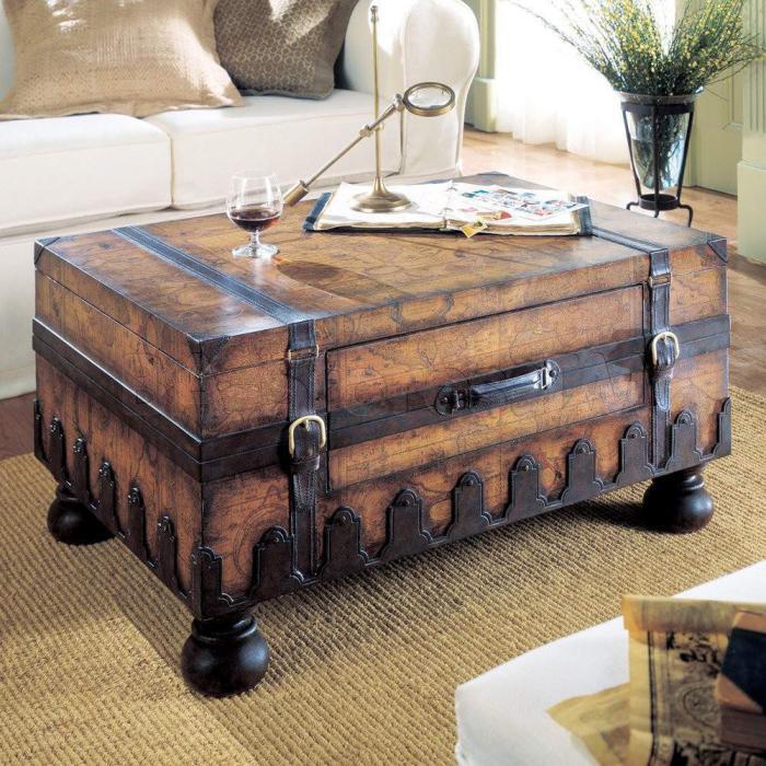 Coffre en bois pour table basse
