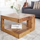 Petite table basse en bois brut