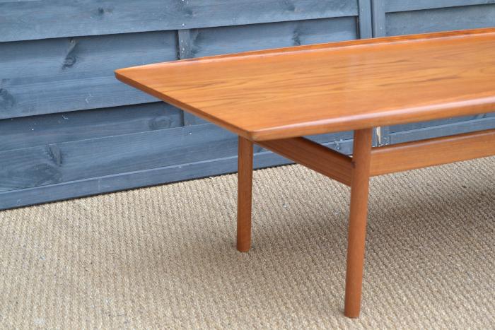 Table basse scandinave grete jalk