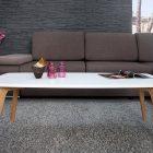 Table basse scandinave violet