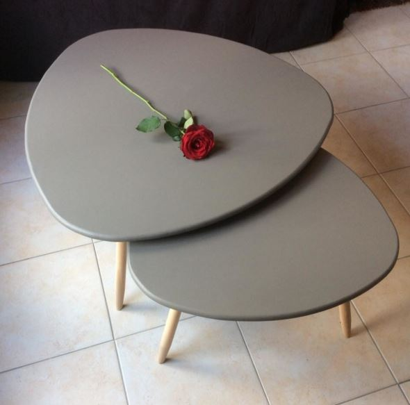 Table basse gigogne tripode